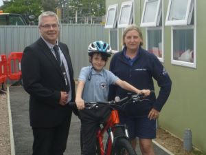 Pictured, from left to right, is Queensgate Foundation Primary deputy headteacher Robin Cubb, Jack Chiverton and Shift It officer, Nicky Metcalf.