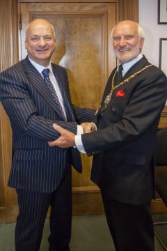 Former chairman Councillor Ian Ward (left) with new Isle of Wight Council chairman, Councillor Charkes Chapman (right)