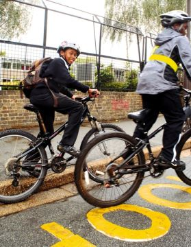 The grants are helping to ecnourage pupils to use bicycles, walk or scoot to school instead of getting lifts in cars.
